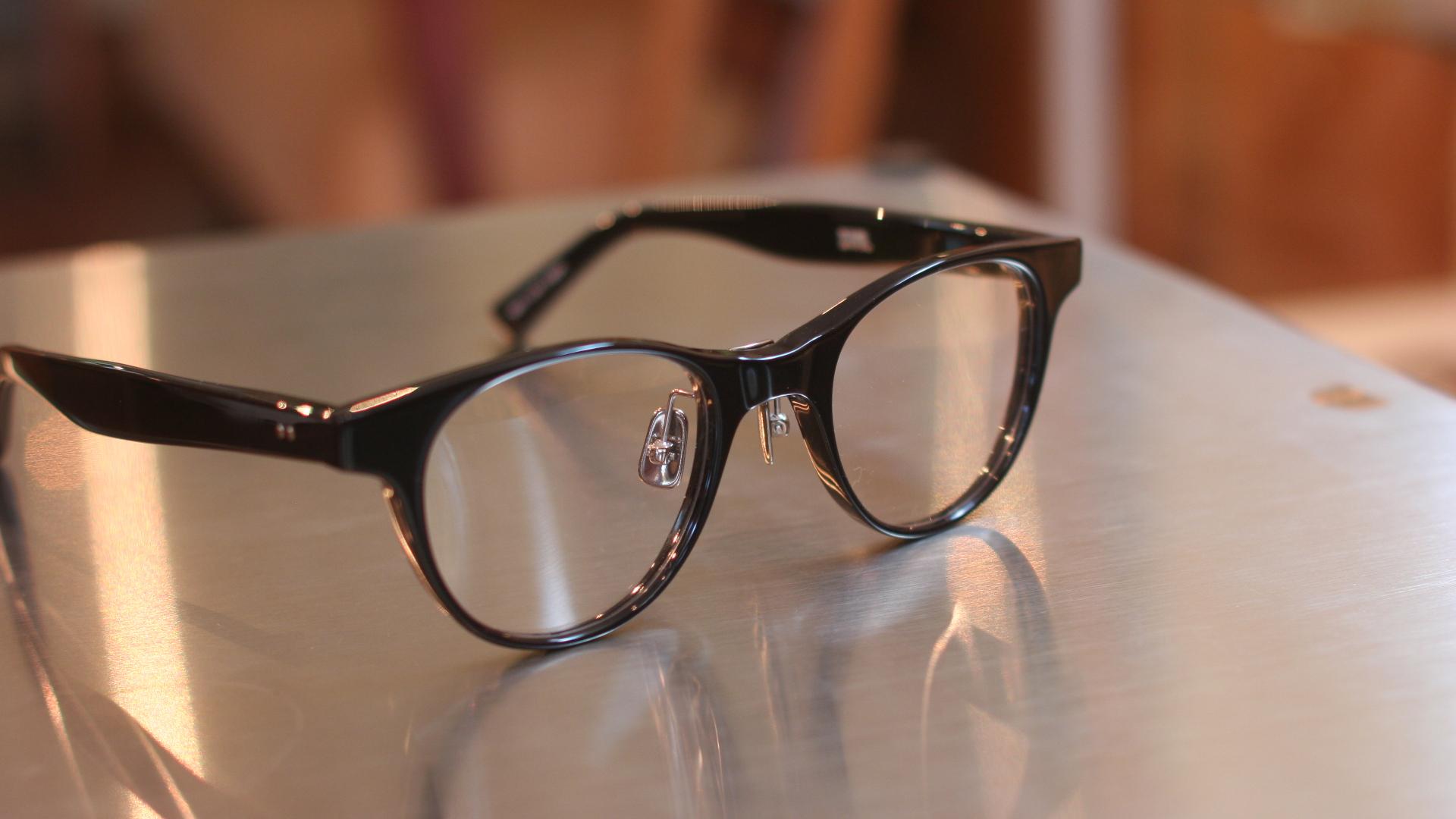 おシャレなメガネ DJUAL | 静岡 海野眼鏡店