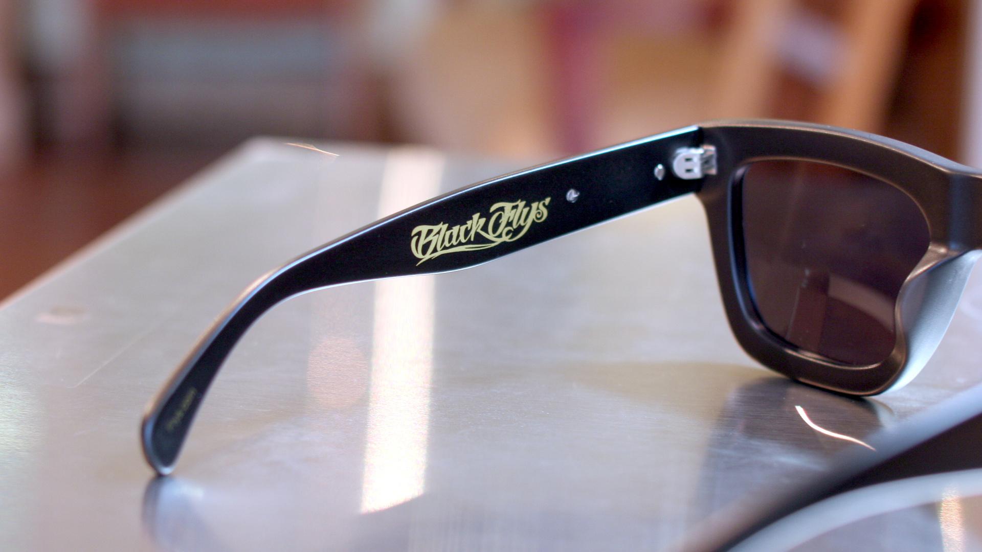 おシャレなサングラス BLACKFLYS | 静岡 海野眼鏡店